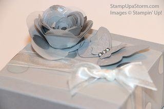 Mr&Mrs-Gift-Box-closeup