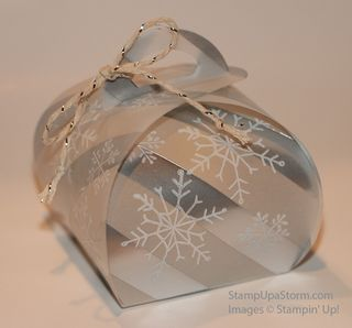 Snowflake-Luminary-closeup